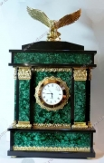 Часы малахит с колоннами